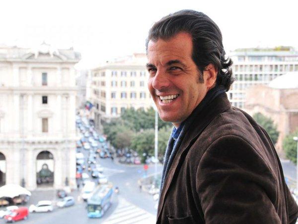Álvaro Garnero - Crédito: Reprodução/Twitter