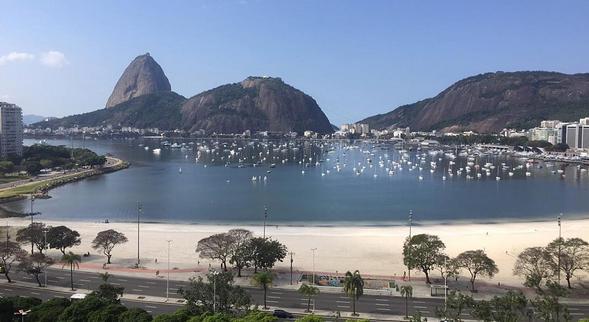 A vista do rooftop do Yoo2 Rio contempla a belíssima Baía de Guanabara - Crédito: Thayse Boldrini/DP