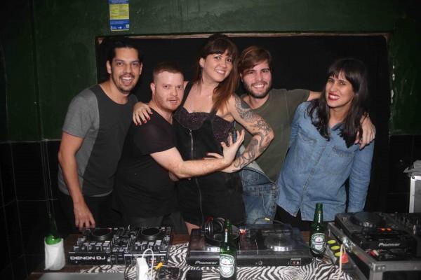 Os DJs da festa - Crédito: Lara Valença/Divulgação