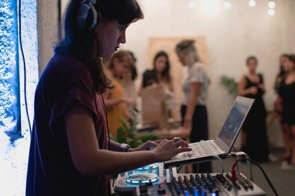 DJ Malu Donanzan. Crédito: Luan Mateus