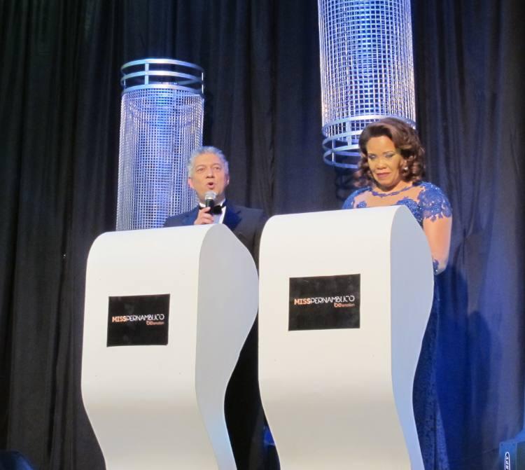 Raldney Santos e Eliana Victorio, os apresentadores