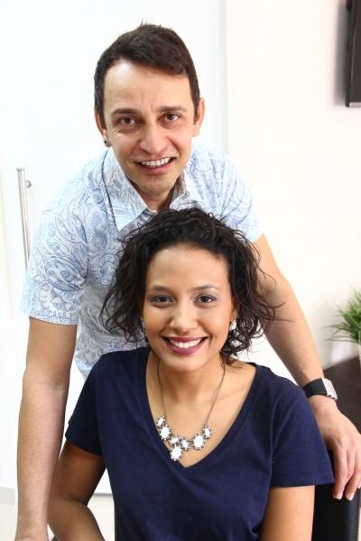 O cabelereiro Ed Silva dá dicas para manter os cachos durante a transição - Crédito: Karina Morais/Esp.DP