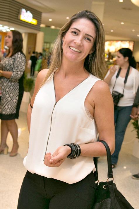 Roberta Martins leva a Dona Rosa, empresa pernambucana de calçados, para o Rio de Janeiro - Crédito: Tatiana Sotero/DP