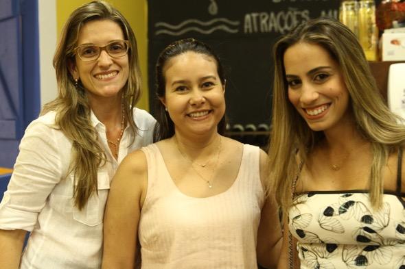 Carol Pimentel, Larissa Xenofonte e Jamile Mello. Crédito: Roberto Ramos / DP