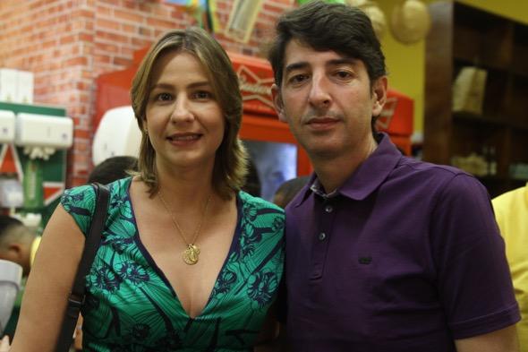Elizabeth Fernandes e Gerson Maranhão. Crédito: Roberto Ramos / DP