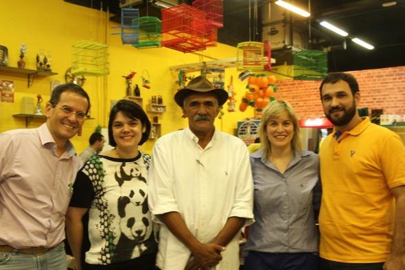 Luiz Henrique, Renata Cavalcanti, Seu Antônio, Danielle Viana e Paulo Belliato. Crédito: Roberto Ramos / DP
