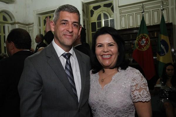 Andre Regis e sua esposa Luciana Regis - Crédito: Roberto Ramos/DP