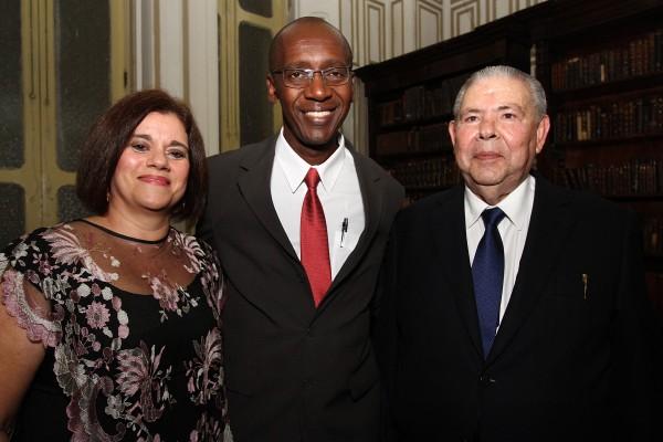Berta Guedes, Guilherme Santana e Seu Domingos Moreira - Crédito: Roberto Ramos/DP