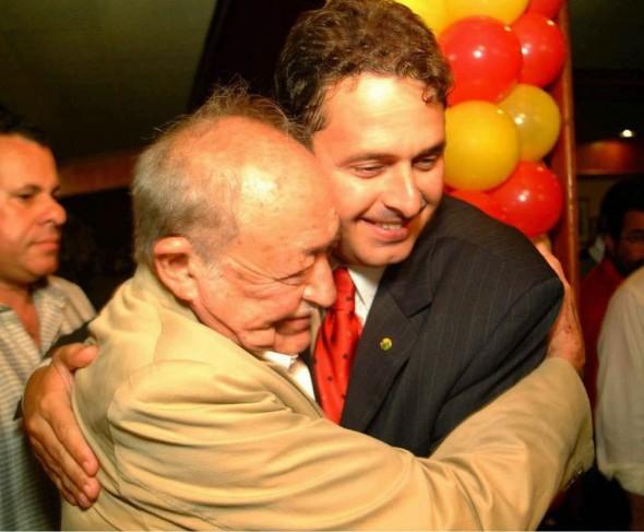 Miguel Arraes e Eduardo Campos Reprodução/am730.com.br/