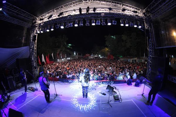 Dorgival Dantas cantou no Heliponto nesse sábado - Crédito: Luiz Fabiano/Divulgação