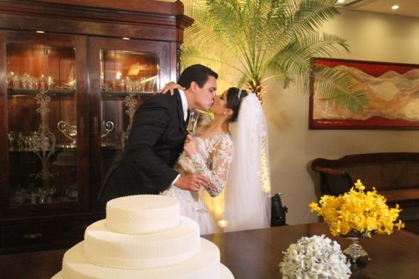 27/08/2016 - Credito: Nando Chiappetta/DP - Blog JA - Casamento de Andrea de Paula e Marcus Travassos, na Igreja Madre de Deus no Recife Antigo.
