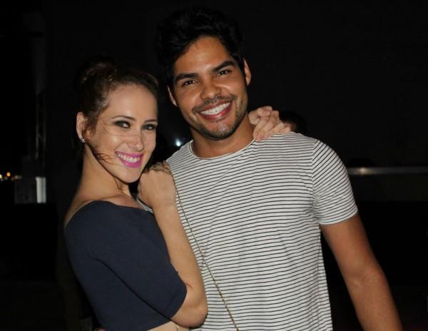 Charles Alves e Raiza Oliveira - Crédito: Bia Chaves/Divulgação
