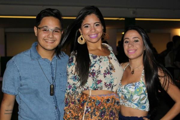Cleiton Borba, Eduarda Matos e Fernanda Vianna - Crédito: Bia Chaves/Divulgação