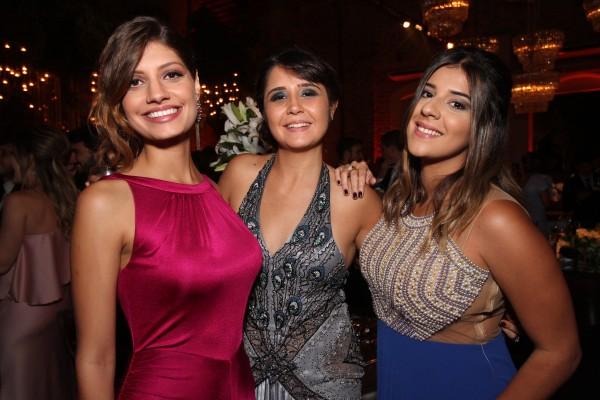 Cláudia Renda, Isabela Cavalcanti e Viviane Uchoa - Crédito: Roberto Ramos/DP