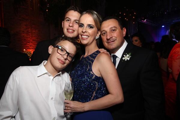 Luciana Peres, André de Oliveira, André de Oliveira Filho e Lucas Peres - Crédito: Roberto Ramos/DP