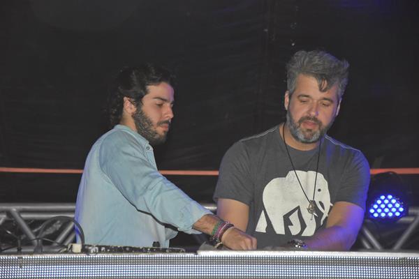 José Pinteiro e Bruno Vieira o projeto Duoprop, que agitou a festa - Crédito: Camila Neves/Le Porte