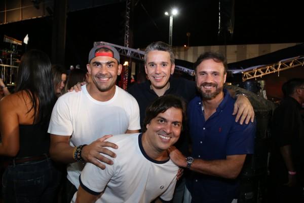 Bruno Novaes, Felipe Carreras, Waldemar Valente e Bruno Rego - Crédito: Luiz Fabiano/Divulgação