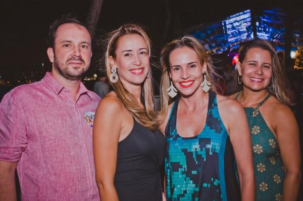 André Valença, Juliana de Roldão, Isabella de Roldão e Renata Mafra - Crédito: Thiago Britto/Divulgação