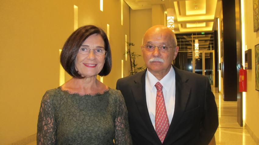 A consul Maria Konning de Siqueira Regueira e o marido, Roberto de Siqueira Regueira