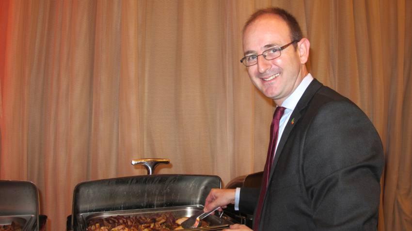 O chef Guiso Stutz que assinou o cardápio