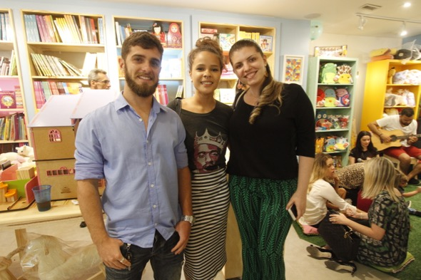 Rafael de Alencar, Paloma Azevedo e Celina Vasconcelos. Crédito: Ricardo Fernandes / DP