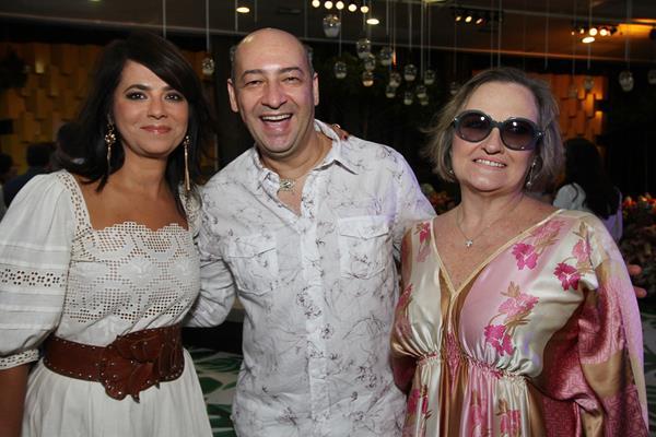 Ione Costa, Cesar Santos e Izabel Dias - Crédito: Roberto Ramos/DP