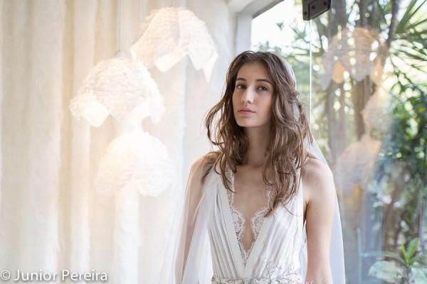 Vestido de noiva de Melk Z-Da - Crédito: Reprodução/Facebook