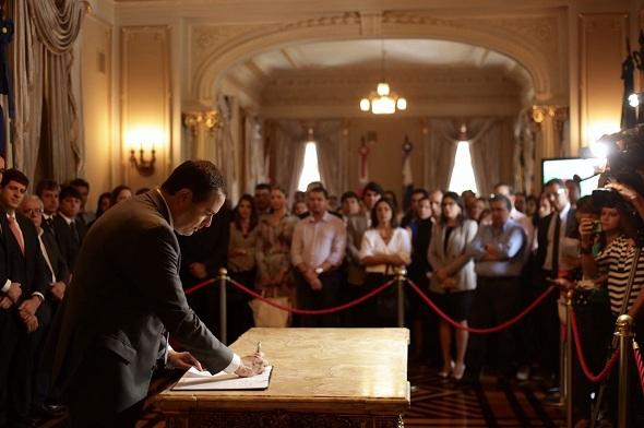 Paulo Câmara autorizou início das obras hoje, em solenidade no Palácio das Princesas. Crédito: Aloísio Moreira / Divulgação