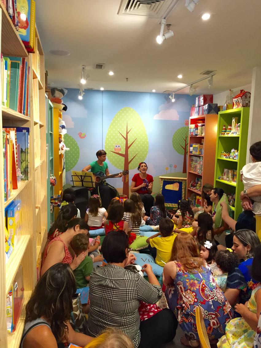 As crianças na contação de histórias
