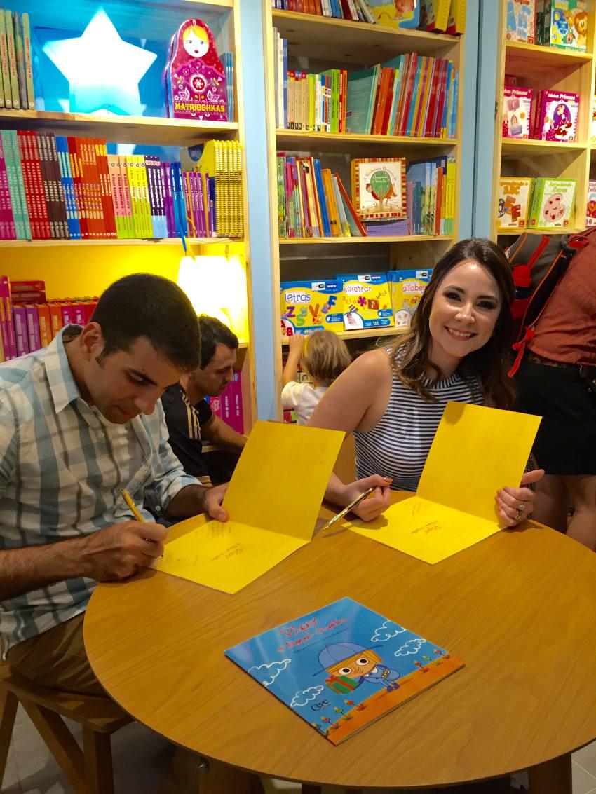 Os autografos de Jarbas e Tatiana