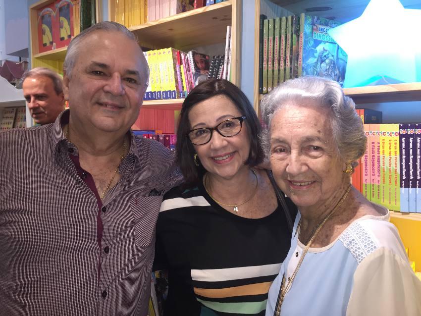 Tatiana com a mãe Maria teresa e avó Maria do Carmo Sotero