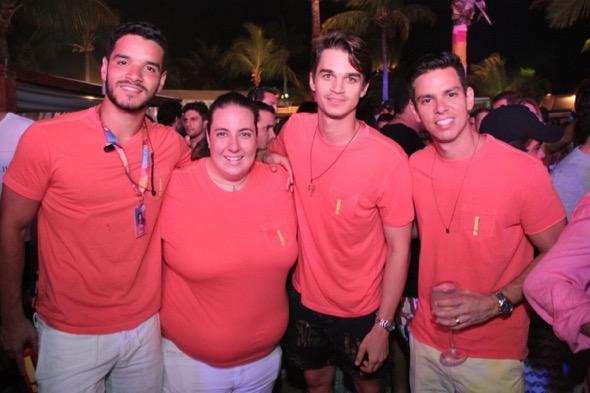 Thiago Vanderley, Clara Franck, Victor Carvalheira e Ítalo Girão. Crédito: Luiz Fabiano / Divulgação