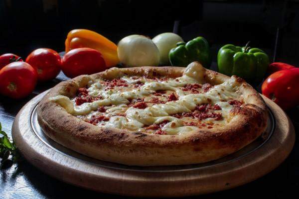 Pizza de charque com catupiry - Crédito: Studio LB/Divulgação