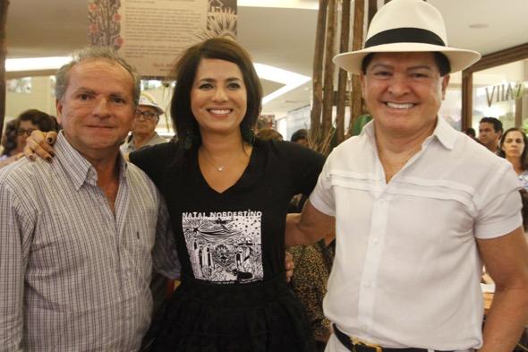 Paulinho do Acordeon com Ione Costa e Alcymar Monteiro.