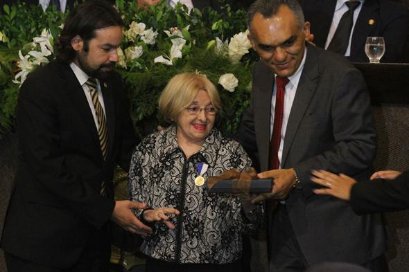 Professora Terezinha Teixeira Coelho recebe mérito Educacional Paulo Freire - Crédito: Roberto Ramos/DP