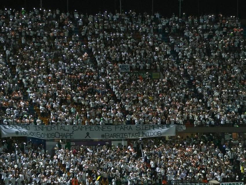 O estádio superlotado/Reprodução