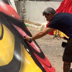 Galo da Madrugada, com grafite de Flávio Barra, fica pronto neste domingo