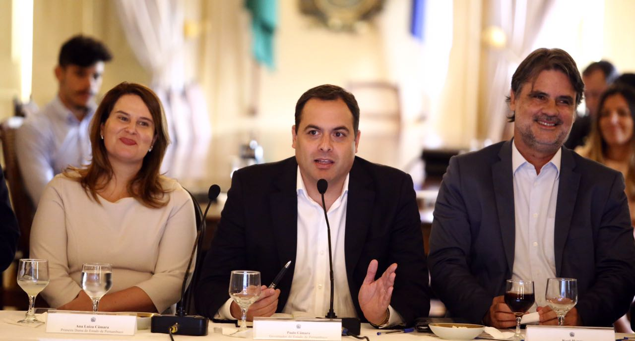 Ana Luiza Câmara, Paulo Câmara e Raul Henry - Crédito: Aluisio Moreira/SEI/Divulgação