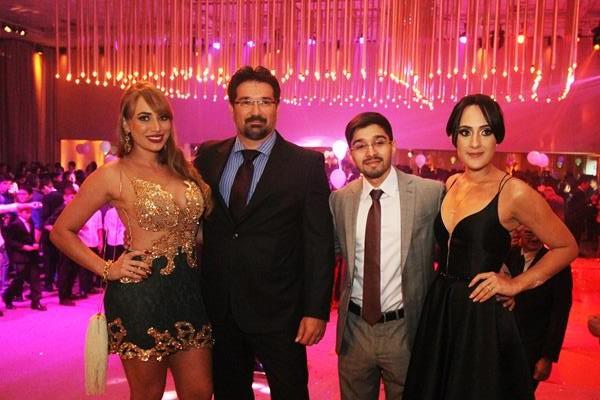 Diana e Jonaldo Janguiê, Hyago Janguie e Nathalia Vasconcelos - Crédito: Nando Chiappetta/DP