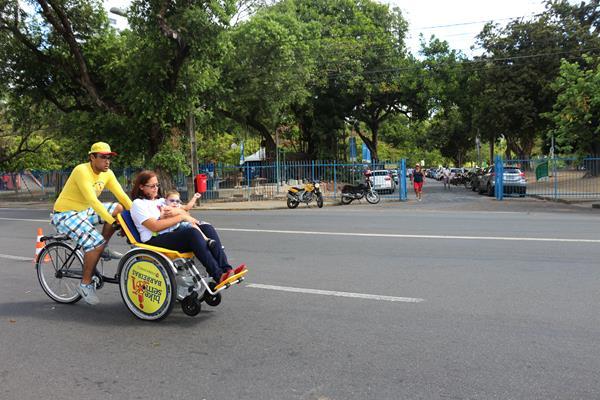 Bicicletas podem ser usadas por crianças acompanhadas dos pais - Crédito: Divulgação/Bike Sem Barreiras