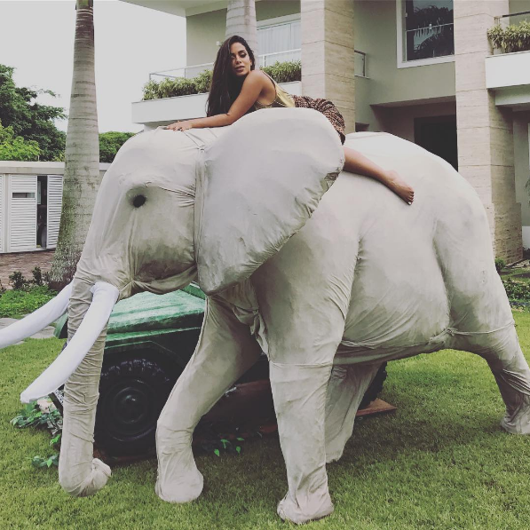 Anitta postou esta foto no fim da festa - Crédito: Reprodução/Instagram