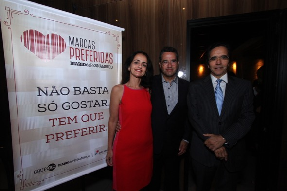 Analice Amazonas, Alexandre e Maurício Rands. Crédito: Roberto Rampos / DP