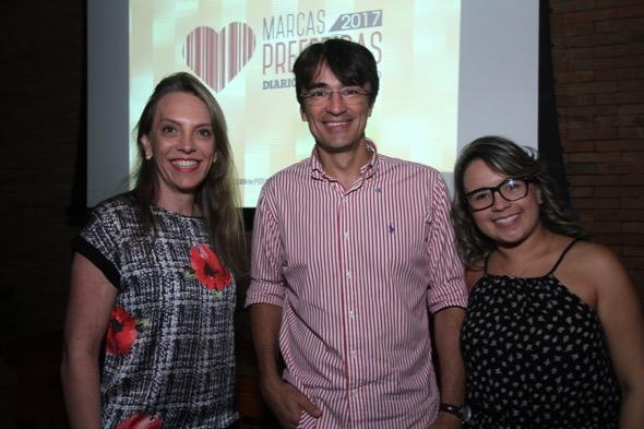 Eliana Muller e Ernani Magalhães da Esposende e Sarah Alves, da agência Competence. Crédito: Roberto Ramos / DP