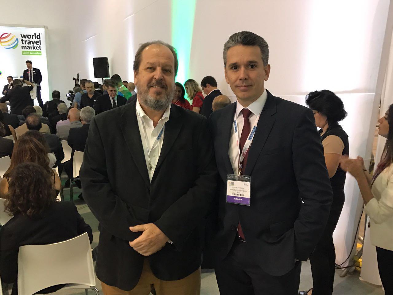 Eduardo Sanovicz, Associação Brasileira das Empresas Aéreas, e Felipe Carreras - Crédito: Seturel/Divulgação