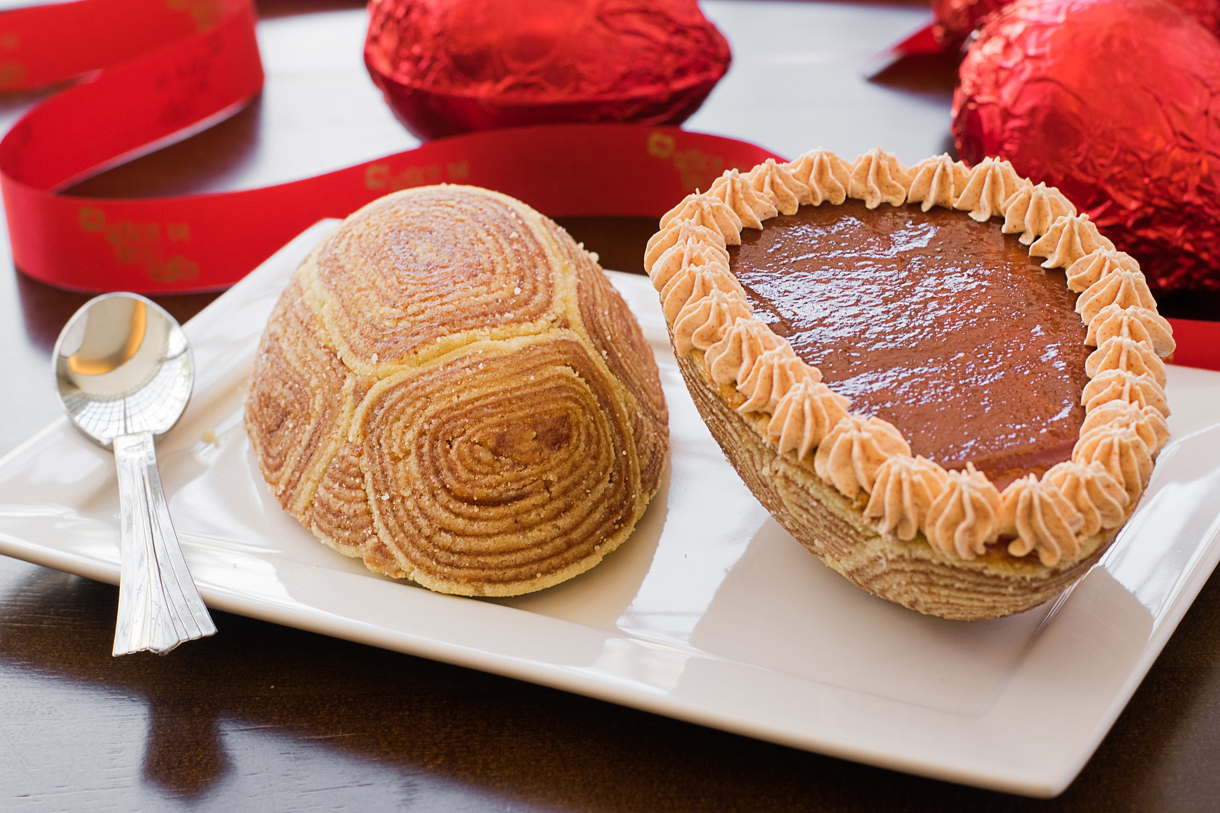 Ovo de bolo de rolo da Sabor de Beijo - Crédito: Divulgação/Sabor de Beijo