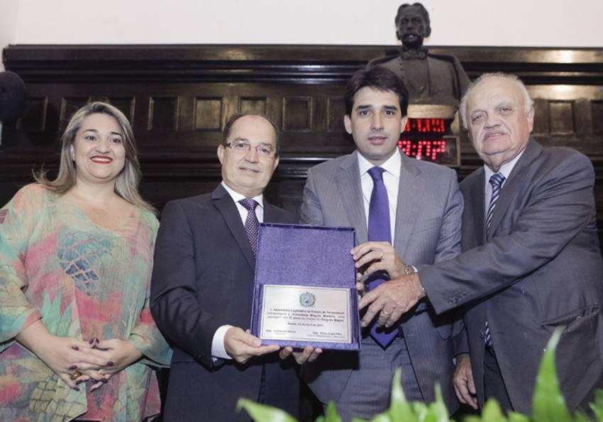Aline Mariano, Magno Martins, Sílvio Costa Filho e Guilherme Uchoa/Divulgação