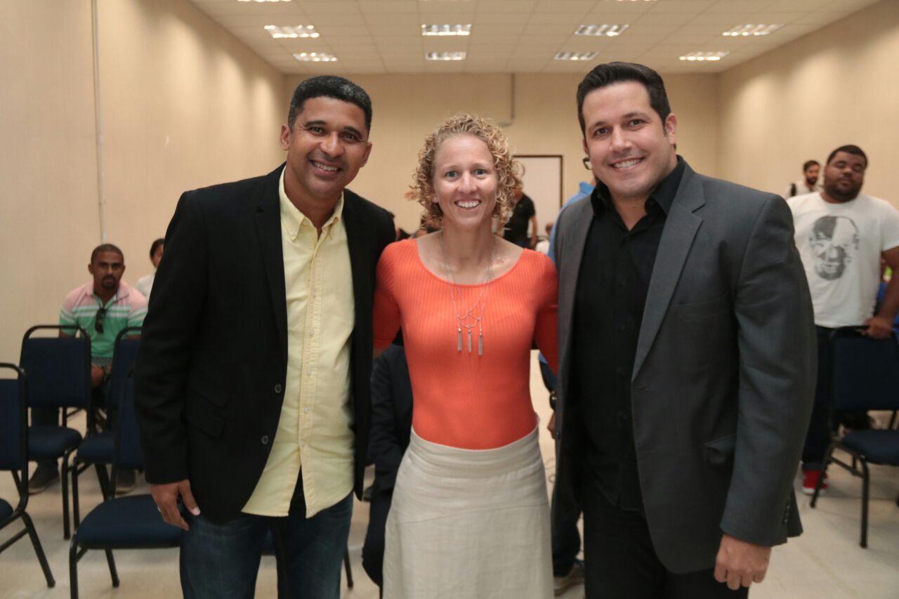 Manoel Tobias, Yane Marques e o Secretário Executivo de Esportes, Diego Perez - Crédito: Hesíodo Goés/Seturel