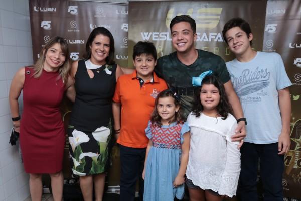 A primeira-dama Cristina Mello e os filhos - Crédito: Luiz Fabiano