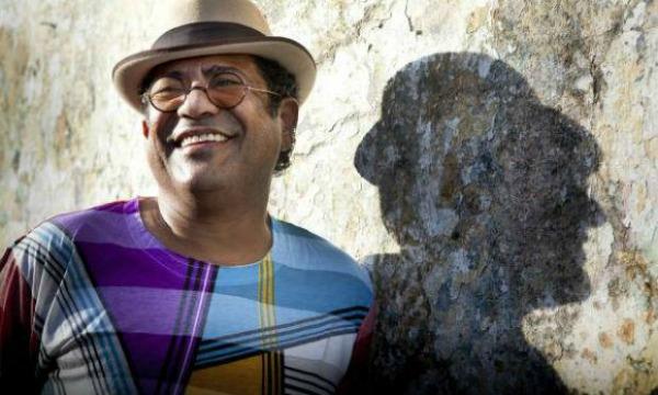 Cantor Maciel Melo fará parte das atrações musicais da Bienal - Crédito: Divulgação