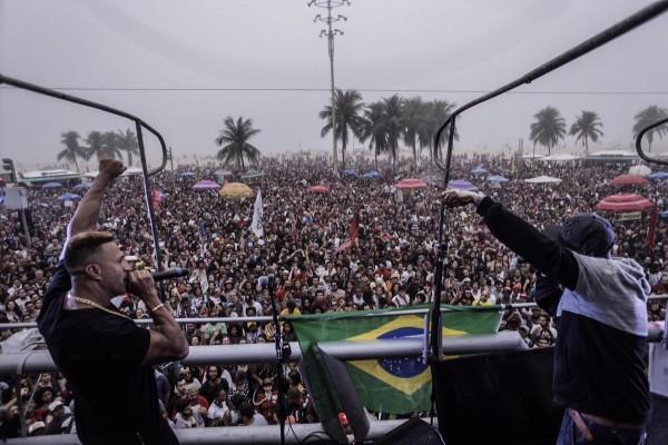 Ato contou com apresentações de música no Rio de Janeiro -  Crédito: Reprodução/Twitter/Midia Ninja